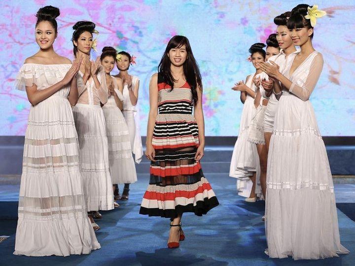 Tmx 1535491406 5d09e18f10b36ba8 1535491404 C30cda3ea5f60216 1535491403394 3 Fullsizeoutput 12c San Jose, California wedding dress
