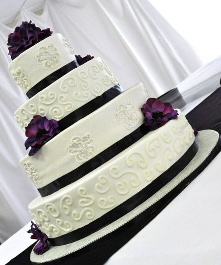 Cake Decorating Store Shelby Twp Mi : Custom Cake Creations - Wedding Cake - Shelby Township, MI ...