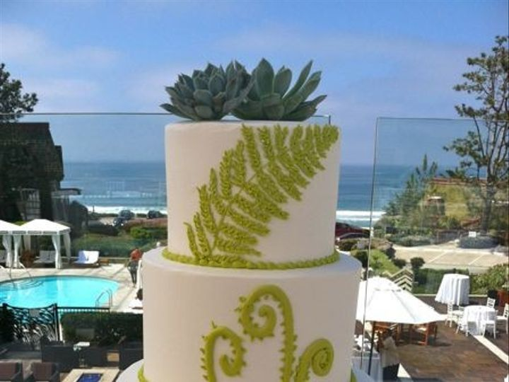Tmx 1422478187505 Ss Wedding Fern Red Fountain Valley wedding cake