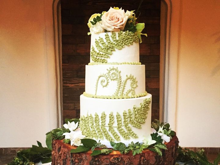 Tmx 1457208948241 Wed Cake Fern Roses Fountain Valley wedding cake
