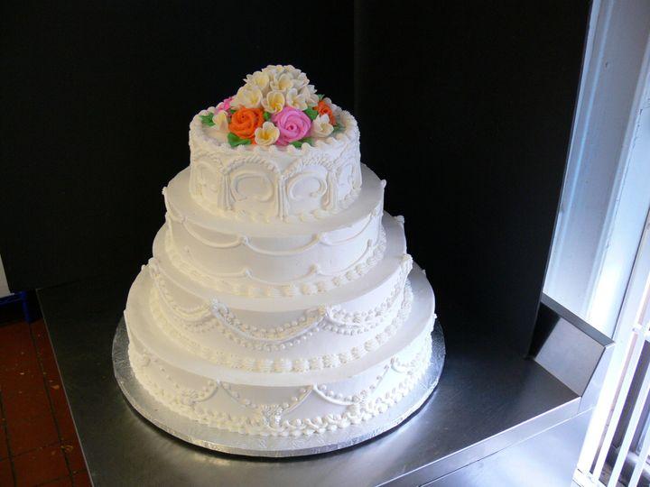 luis wedding cakes 2009 005