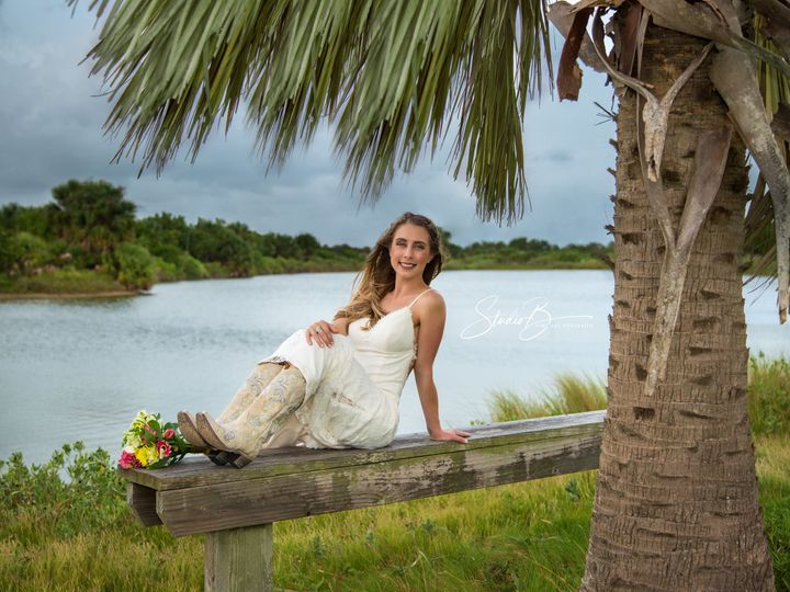 Tmx 1537150345 091d991f87ee2c6f 1537150343 02a2d473efff4de4 1537150337272 8  M6A3060 CB Friendswood wedding photography