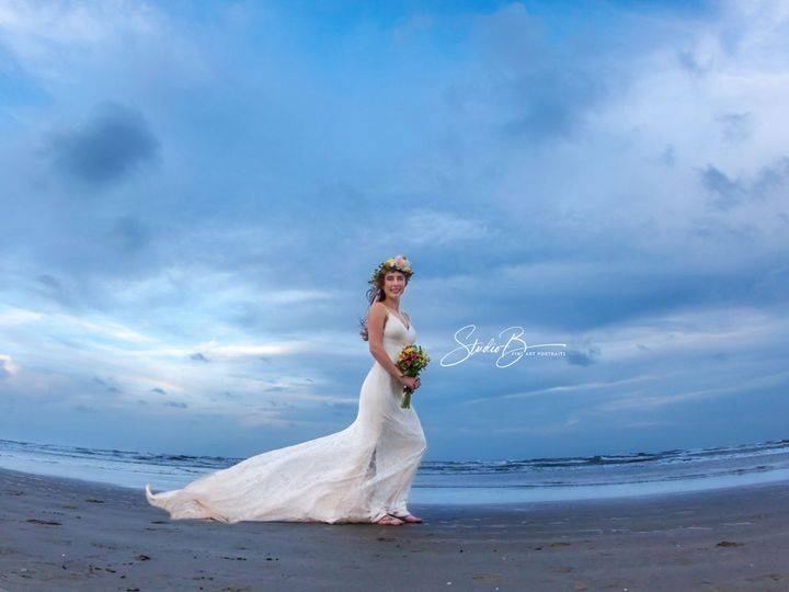 Tmx 1537150372 B6ceb503c2eb2215 1537150368 F85efa45240c62b5 1537150337285 45  MG 1362 CB Friendswood wedding photography