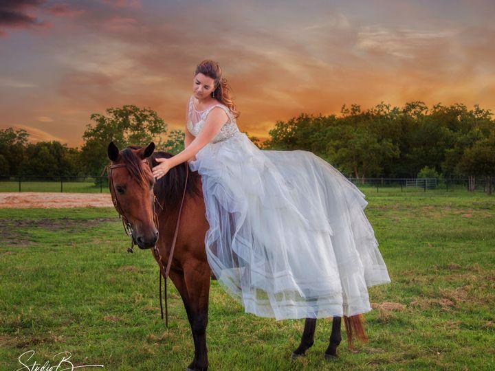 Tmx 1537150747 55dcd15deffa582b 1537150744 28ef908ddb18ce16 1537150728418 61  M6A2739 CB Web Friendswood wedding photography