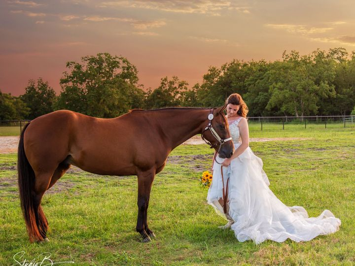 Tmx 1537150747 E2f93fe0308d4b97 1537150743 F54a00bb79fcd7d1 1537150728417 59  M6A2668 CB Web Friendswood wedding photography