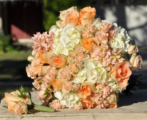 Hydrangea, stock, roses, spray roses