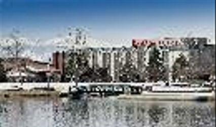Ramada Plaza 1