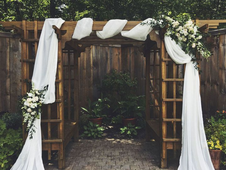 Tmx 1536778076 476efd1a6b636817 1536778075 202c3f4d8cd8fa83 1536778072486 7 800x800 1533946778 Braintree, Massachusetts wedding florist