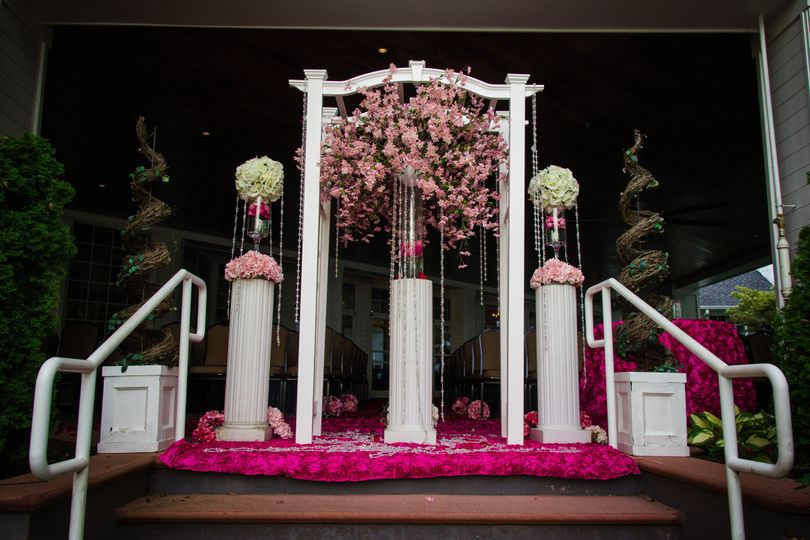 arbor decoraated in pink