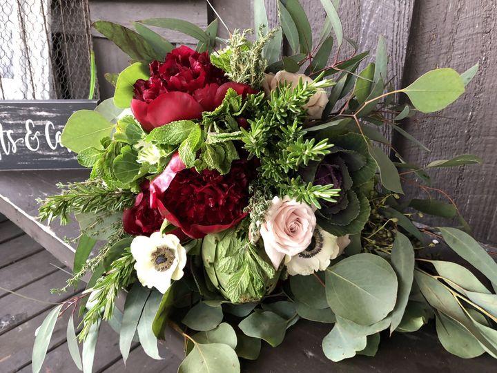 Tmx 1520713395 32ecc922158748f9 1520713393 Aa75051a52570db5 1520713377566 1 4B9D7DFA 7F5A 4913 Tavares, FL wedding florist