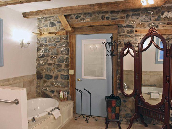 Tmx 1493418988962 Tackbathroom Gettysburg, PA wedding venue