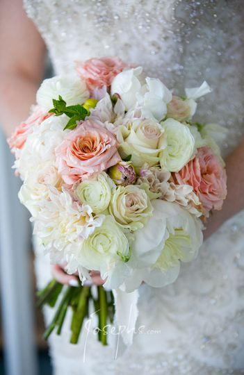 Lush bridal bouquet