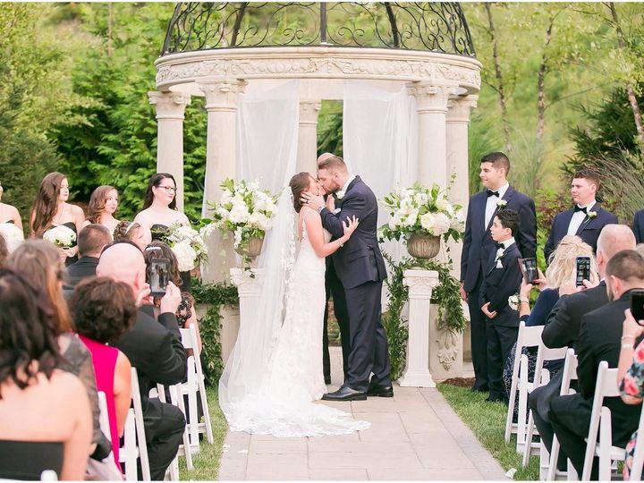 Tmx 1518033988 4c159c4eefa7457c 1518033986 67251c1628cb9985 1518033982423 6 21246385 139430098 Meriden, Connecticut wedding florist