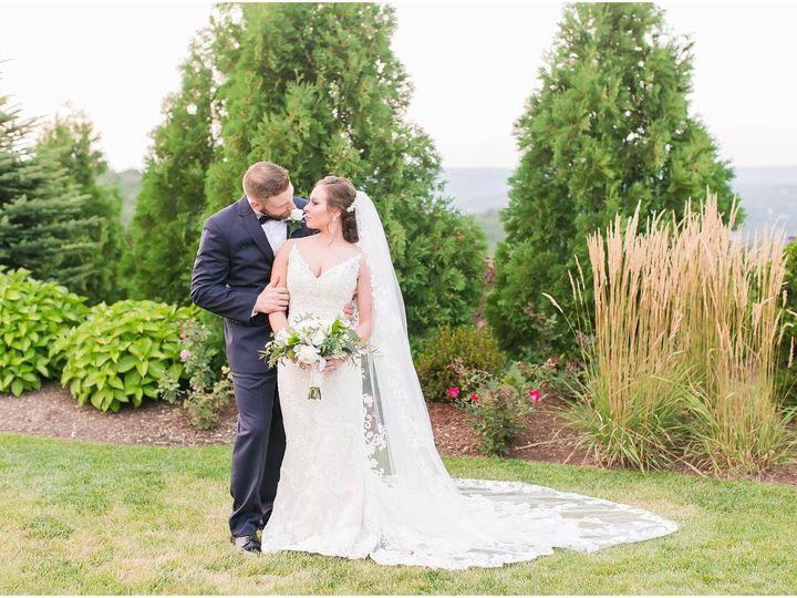 Tmx 1518033988 B2c15e64e46cd286 1518033986 5a71593976fbc101 1518033982422 5 21248171 139446538 Meriden, Connecticut wedding florist