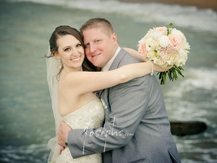 Tmx 1520134564 56aaa096b2ef89b3 1520134563 363acc77368d03dc 1520134558147 6 392 M.barillaro Jo Meriden, Connecticut wedding florist