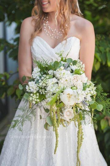 7a48292b7fc2ea4d 1466810841069 adell bouquet