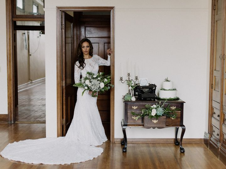 Tmx 1477428720136 Woodvioletbrandingshootaprilvioletphotography 8795 Verona, WI wedding florist