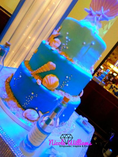 800x800 1426202533188 james goodridgeweddingcake