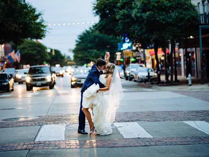 Tmx Emilyandkelly 1 51 487978 157898178564008 Austin, TX wedding photography