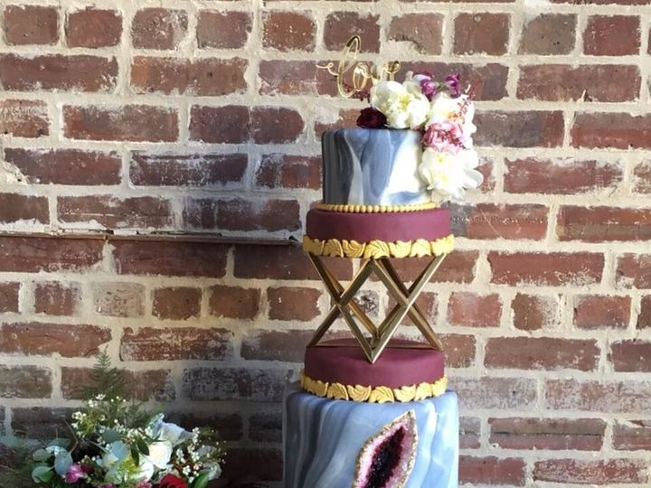 Tmx 1533252604 A721fbca303ad165 1533252603 164bef64aef9e67b 1533252599300 6 1 Jacksonville wedding cake