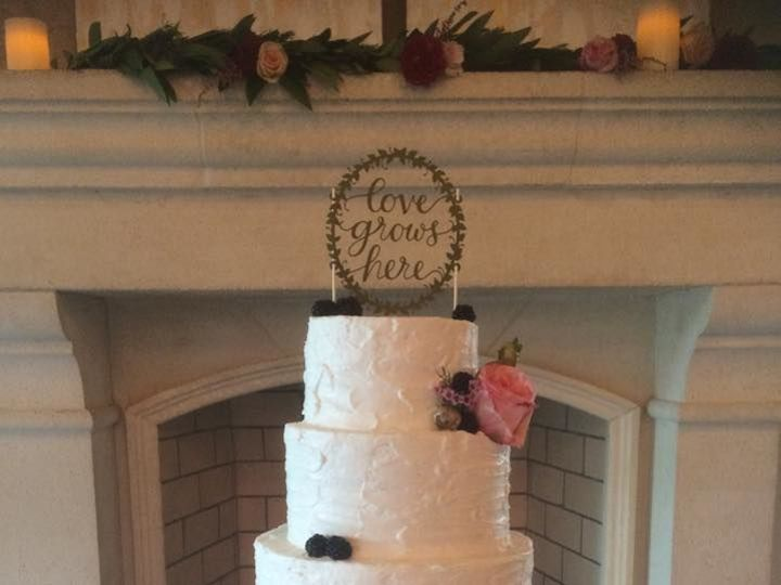 Tmx 1533252605 492dc24b62824dc6 1533252604 17003dd64e390e86 1533252599308 12 7 Jacksonville wedding cake