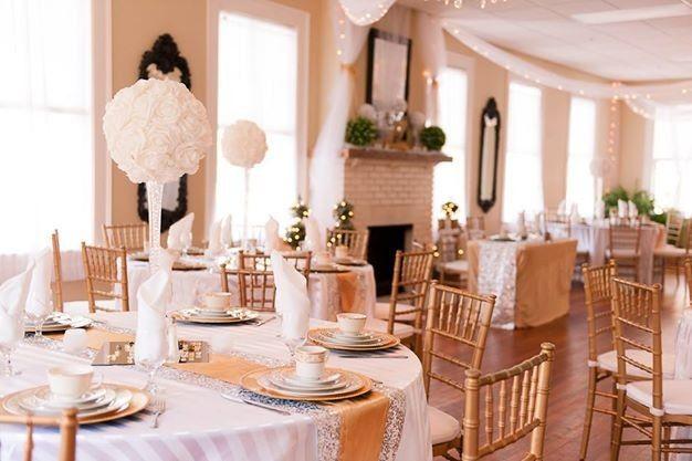 gold in banquet
