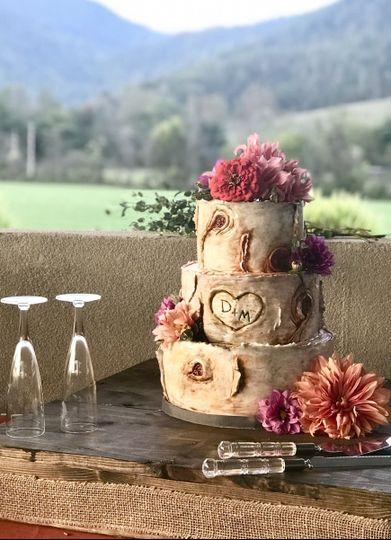 Wood look wedding cake