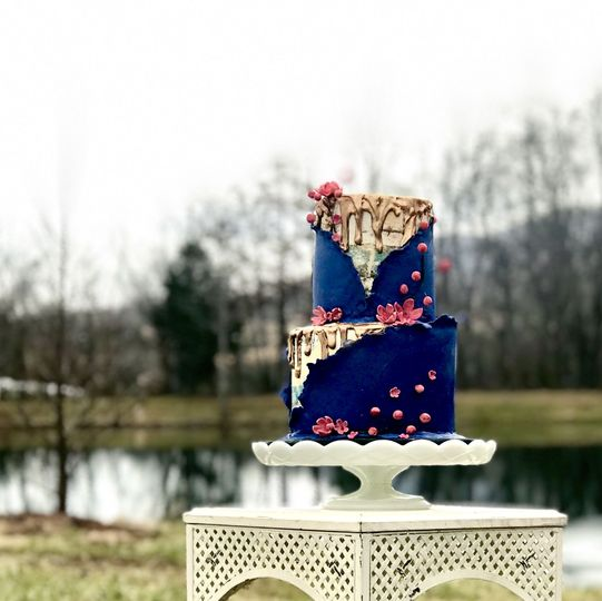 Semi naked and half dressed wedding cake