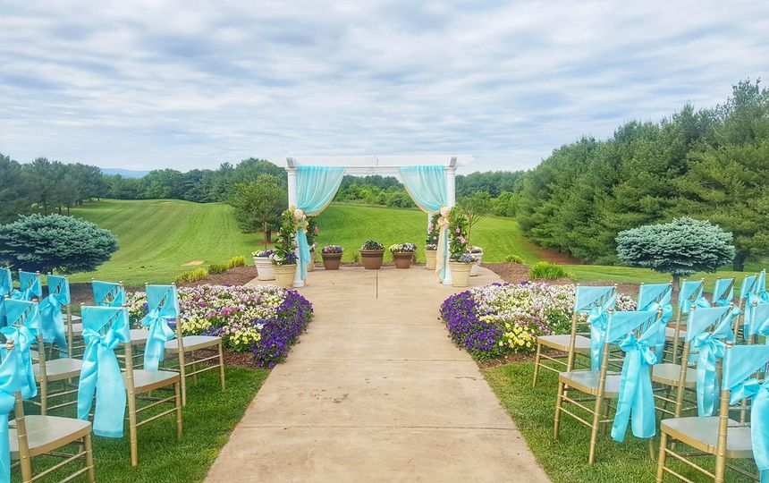 800x800 1499712199622 lui wedding arbor