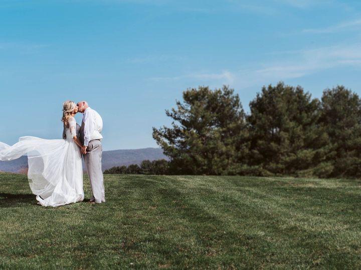 Tmx 1528307918 3e55055345399c88 1528307917 D32c07ef04f04d0e 1528307916741 4 Wide Open Kisses Front Royal, VA wedding venue