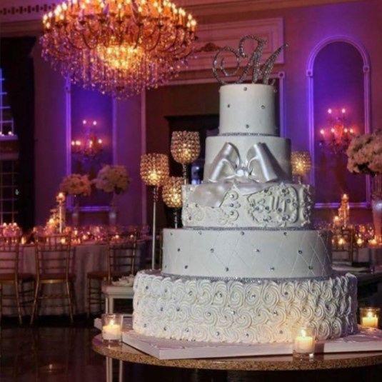 Big round cake