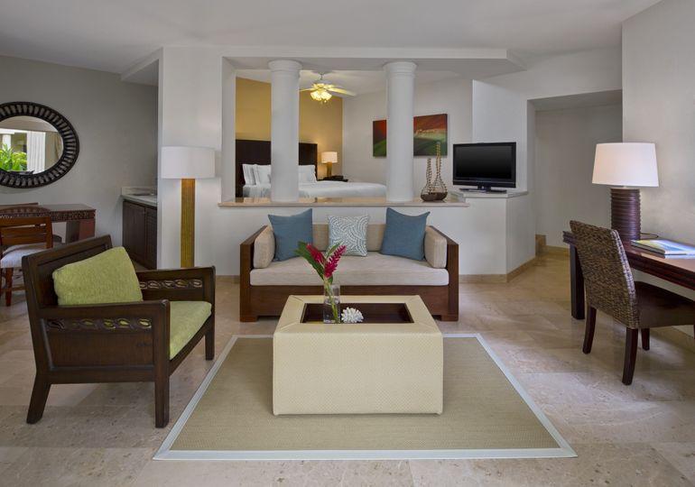 Deluxe Junior Suite room