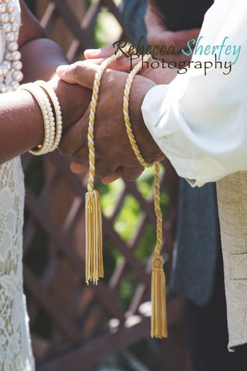 Holding hands | Rebecca Sherfey Photography