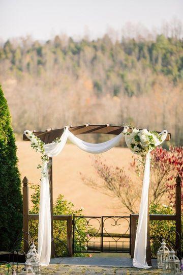 Wedding arch | JoPhoto