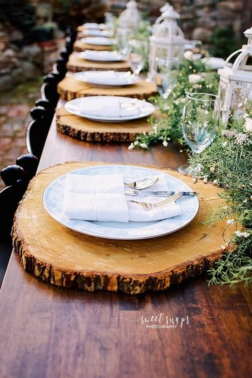 Wooden placemats | Sweet Snaps Photography