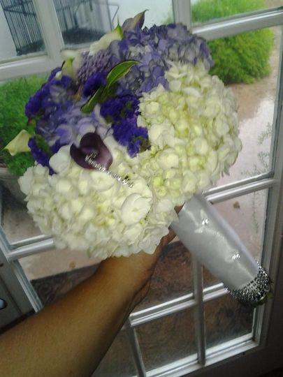 brides bouquet bling