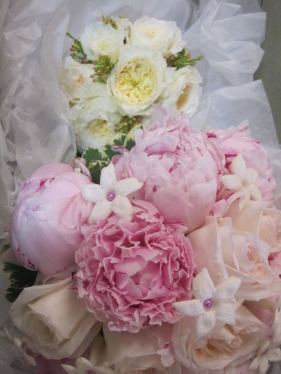 Peonies and garden roses were the star flowers in these beautiful bouquets.