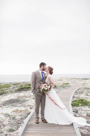 The almost kisses | Laura Hernandez Photography