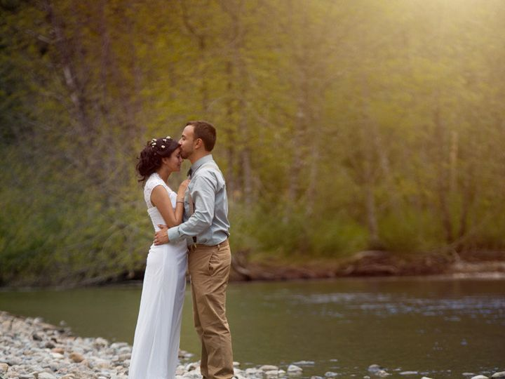 Tmx 1504924716132 Couples Portrait On River Seattle, WA wedding photography