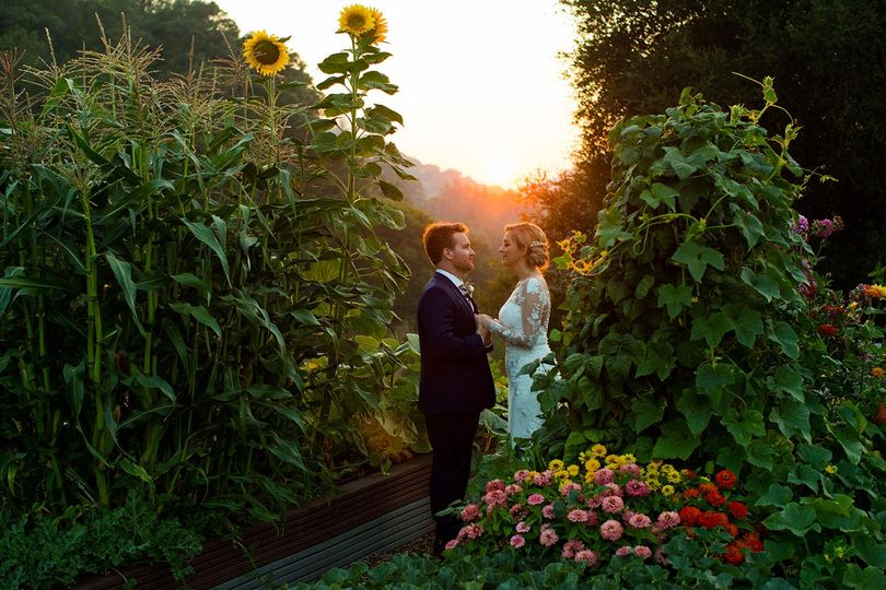 mountain house estate wedding sunset couple photos 33 51 908288