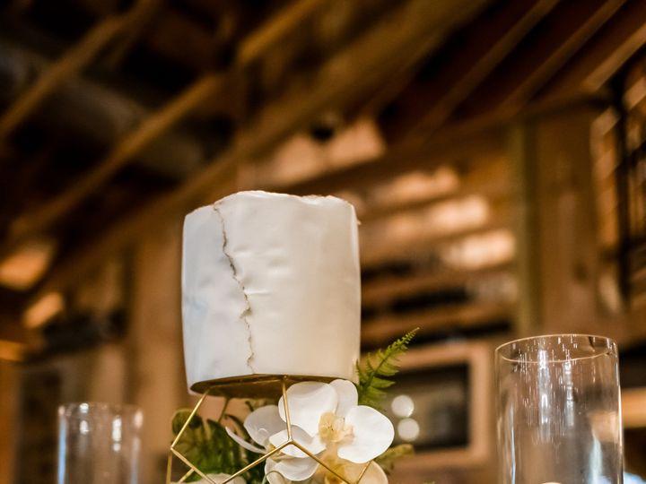 Tmx 0442 105 51 958288 157920844227882 Northborough, Massachusetts wedding cake