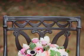 Jardiniere Fine Flowers