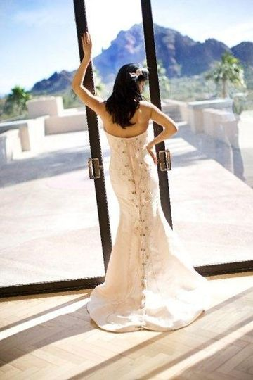 Vintage Wedding Dresses In Los Angeles : Wedding dress taken in i had bought a sample austin scarlett