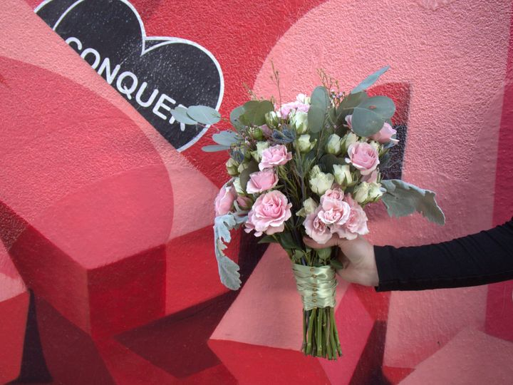 Tmx 1522797857 8a332028962e9656 1522797855 4fee494a4a1fd9ee 1522797853882 11 PINK CONQUER BOUQ Philadelphia, PA wedding florist