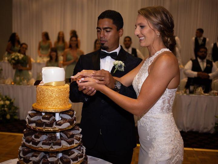 Tmx Cake Cutting 2 51 413388 158757060581518 Orland Park, IL wedding venue