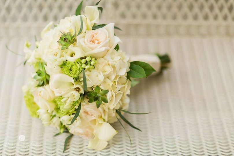 6 taylors bridal bouquet