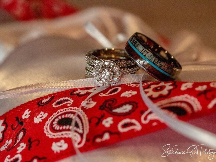 Tmx 1536616981 D707a665f13da25f 1536616979 6112f657d919585e 1536616967592 15 39968156 10102302 Sundance, WY wedding photography