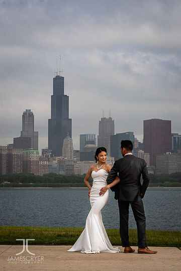 The Chicago Skyline is always a beautiful backdrop for amazing wedding photos.