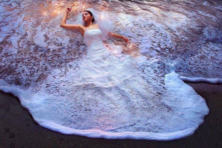 Best Beach Bride Pic EVER!