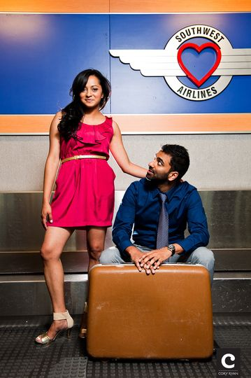 austin airport engagement photo